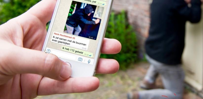 Smartphone WhatsApp buurt